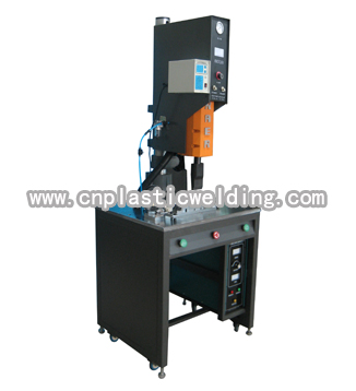 Sealing and labeling machine